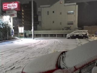 イオンに雪.JPG
