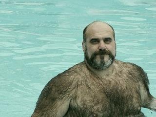 プールで胸毛.JPG