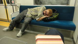 睡眠おじさなん.JPG