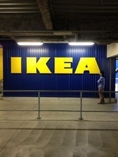 IKEAミサとみさと.jpg